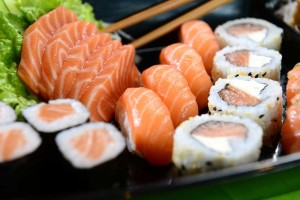 Exercise Caution When Eating Sushi During Pregnancy 2