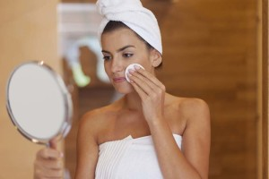 Pregnancy Skin Care: How to Handle Acne and Skin Blemishes