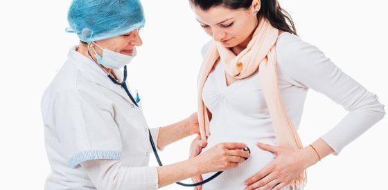 Wie Sie während der ersten zwei Monate Ihre Schwangerschaft verheimlichen