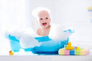 A New Parent's Guide to Buying a Bathing Tub  10