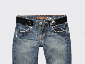 Fashionable and Functional Approach to Wearing Pants During and After Pregnancy 1