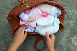Considerations When Shopping for a Diaper Bag 1