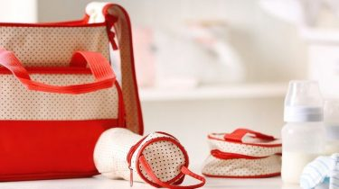 Considerations When Shopping for a Diaper Bag